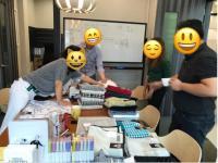 회의실에서자유미팅