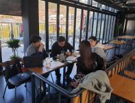 카페 회의모습