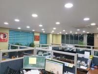 회사 사무실 내부
