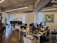 오픈유어아이즈사무실